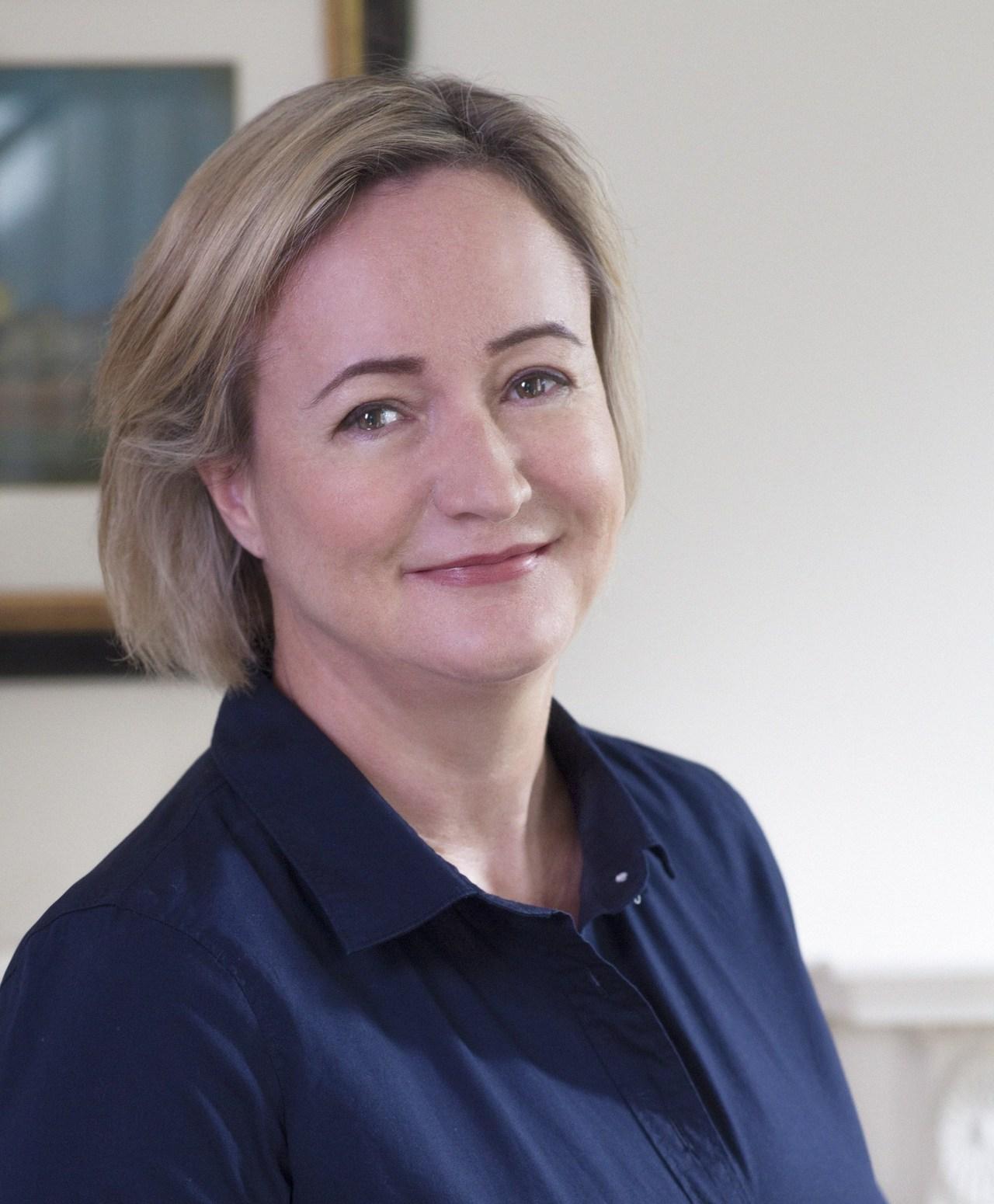 Helen simonson for facebook %28cropped%29 7 8 2015