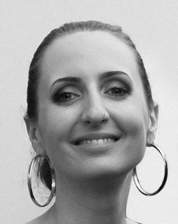 Magali Villeneuve, Freelance Illustrator and Artist for The Illustrated Farseer Trilogy